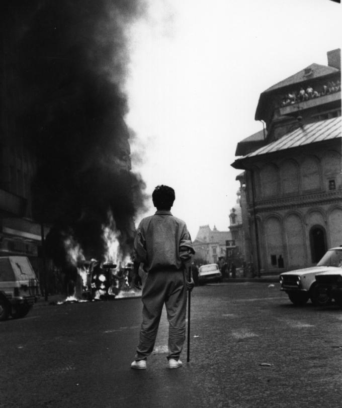 13 iunie 1990, Str. Academiei; Foto: Victor Roncea